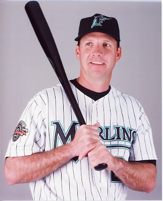Wood_Marlins_bat